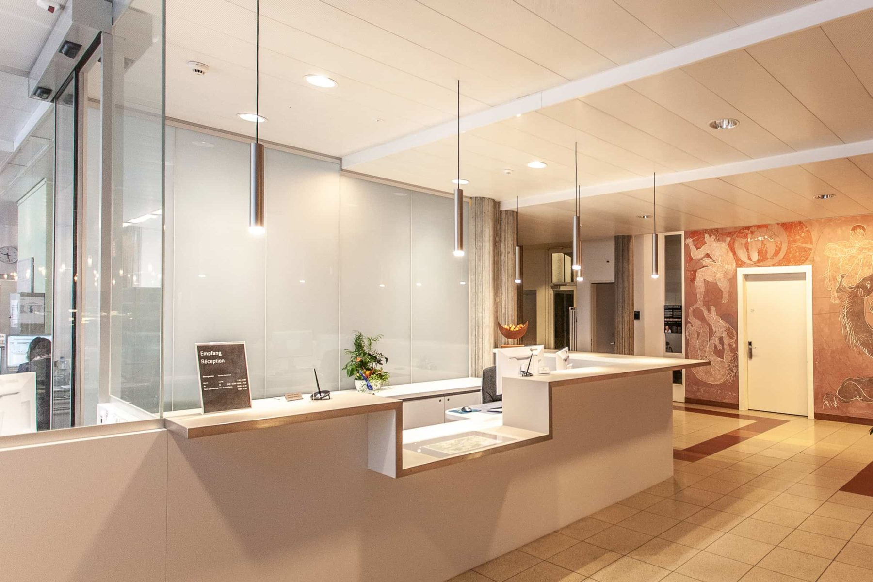 Berner Klinik Montana, Empfang