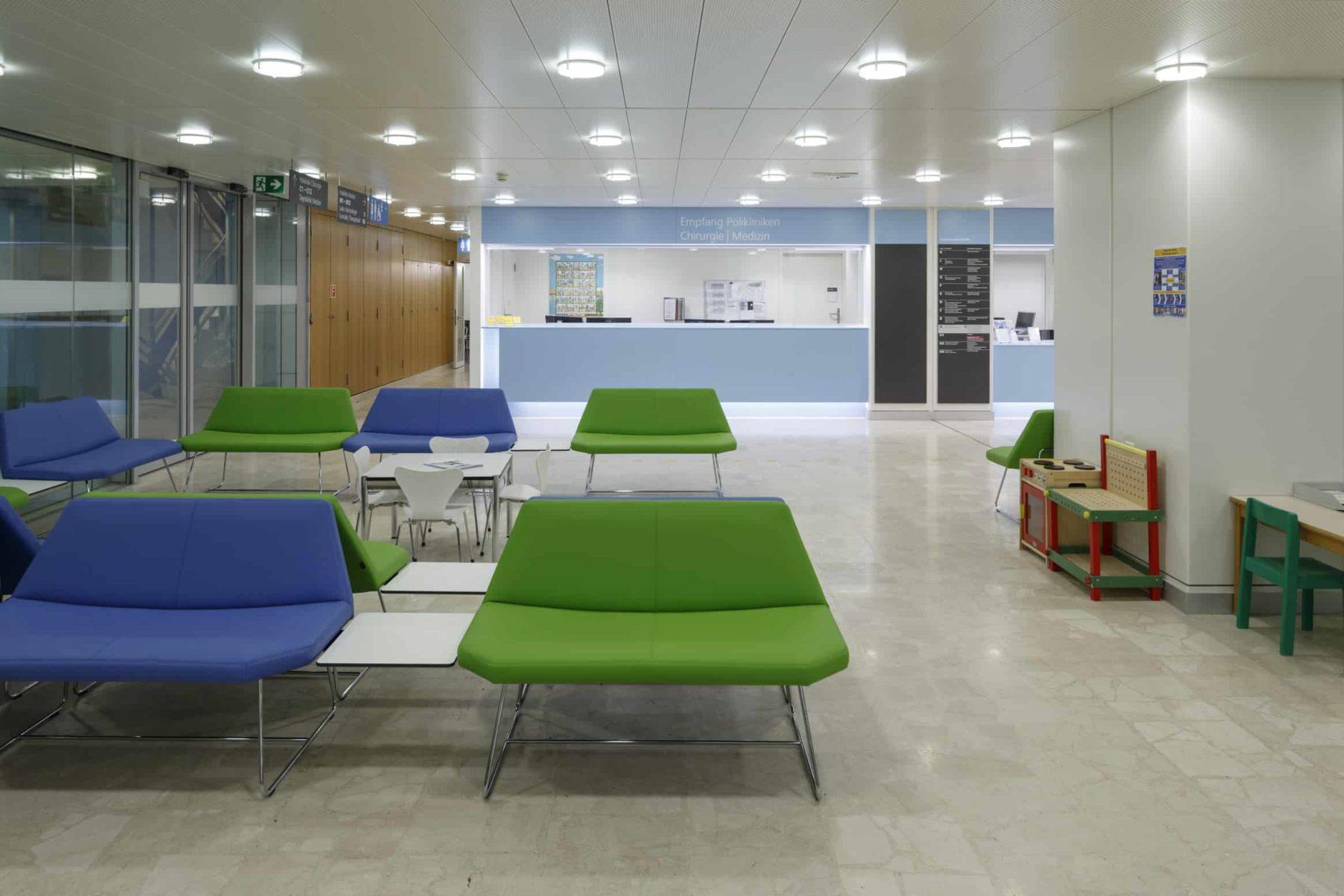 Kinderklinik, Gesamtsanierung, Umbau Eingangsbereich